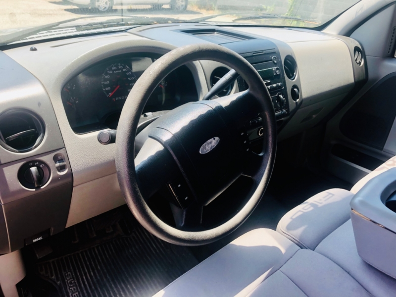 Ford F-150 2005 price $4,990