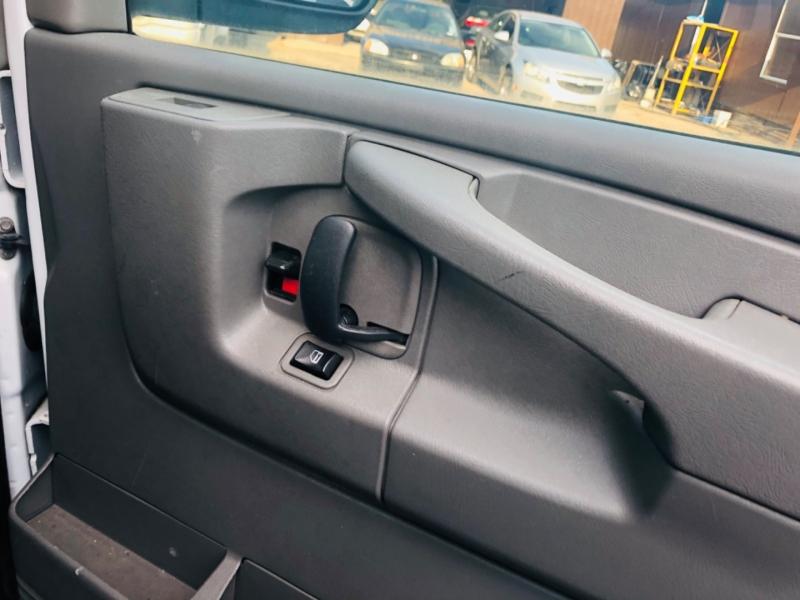 Chevrolet Express Cargo Van 2013 price $7,490