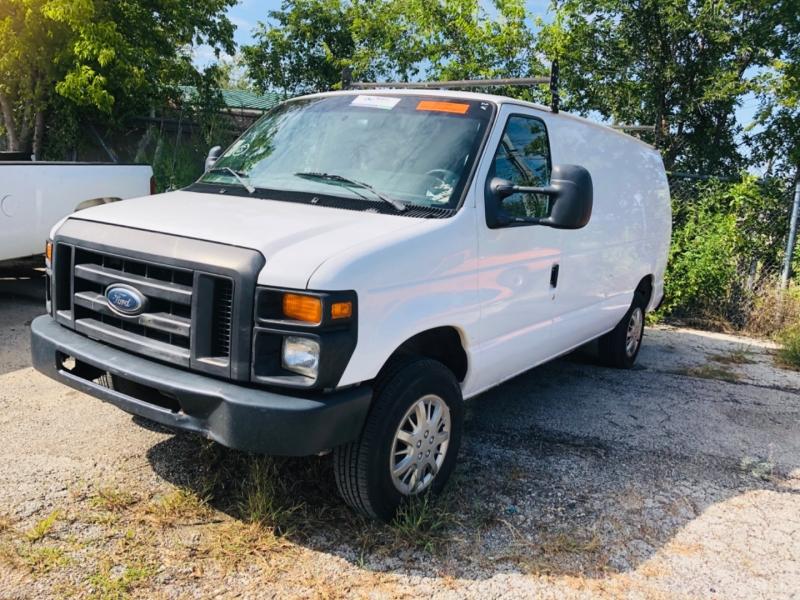 Ford Econoline Cargo Van 2009 price $7,995