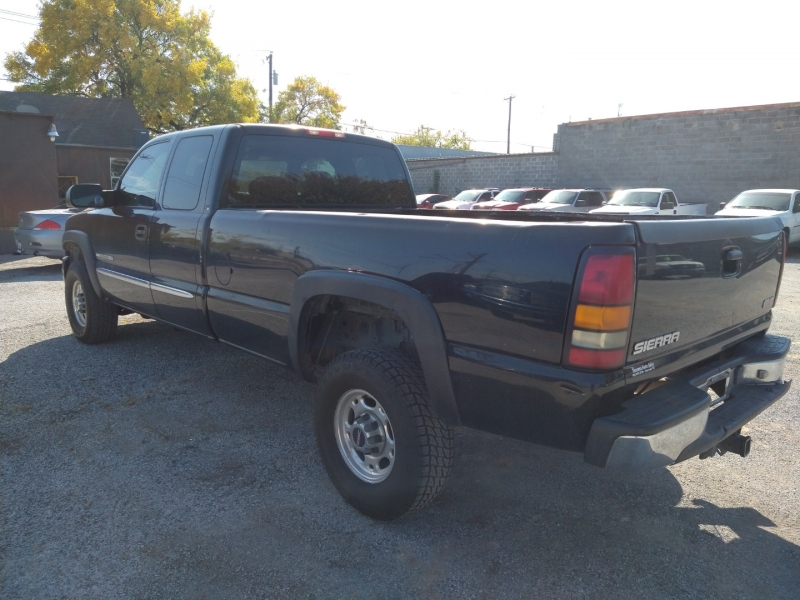 GMC Sierra 2500HD 2005 price $3,995