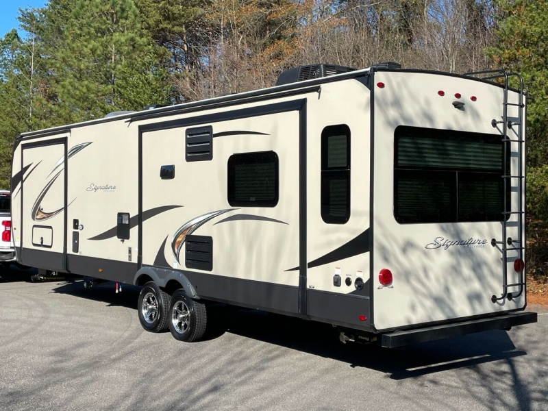 - Rockwood Signature Ultra Lite 2020 price $32,999