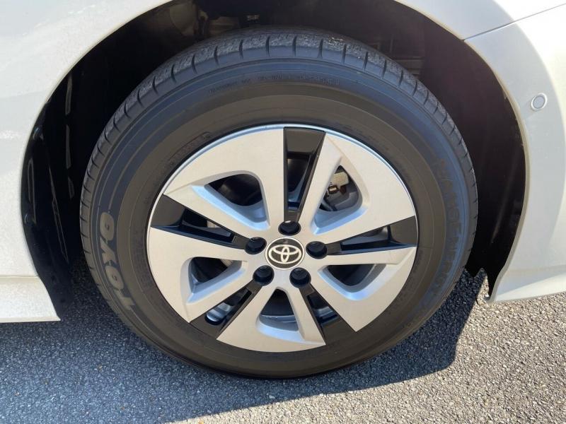 Toyota Prius 2018 price $18,980