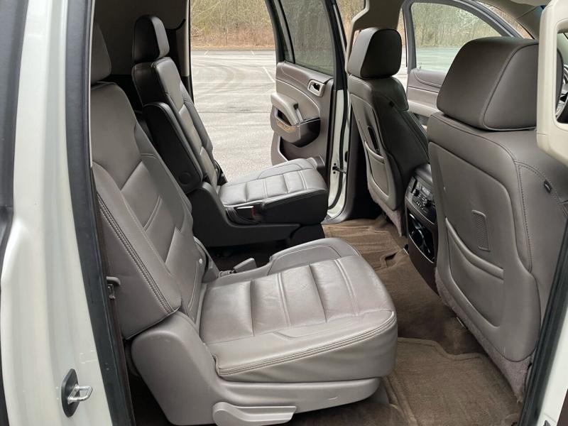 GMC Yukon XL 2015 price $29,980