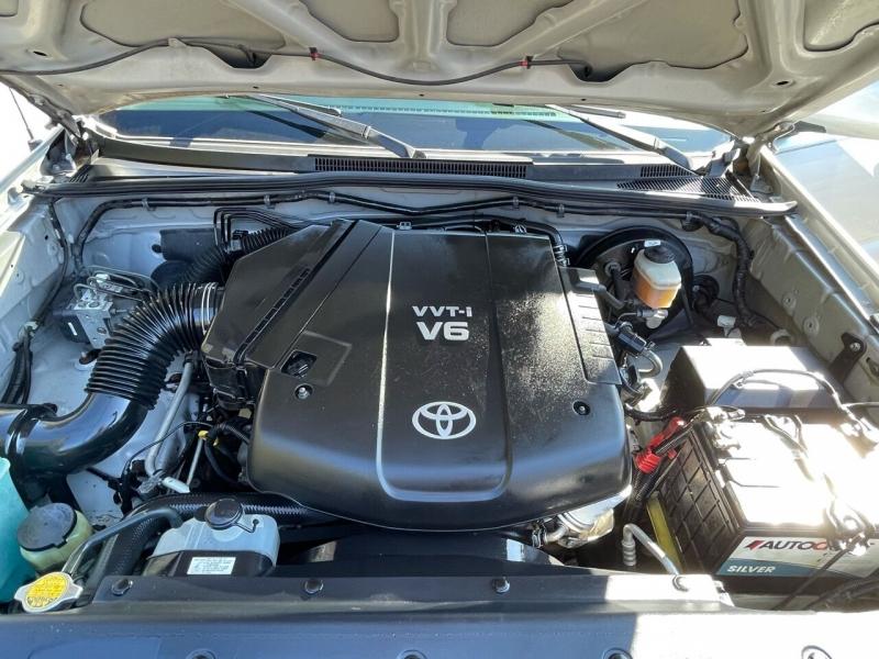 Toyota Tacoma 2006 price $10,980