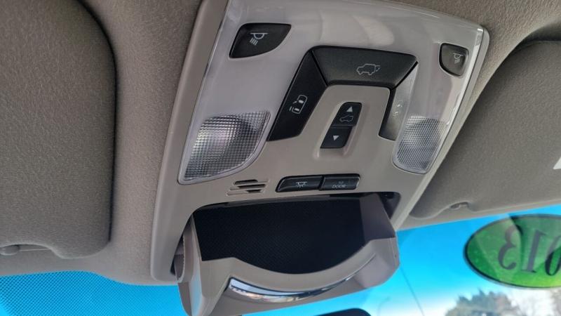 Toyota Sienna 2013 price $15,488