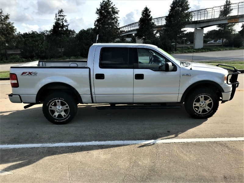 Ford F-150 2004 price $10,990