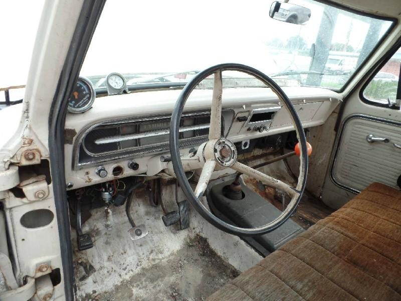 Ford F100 Sportside 1967 price $8,990