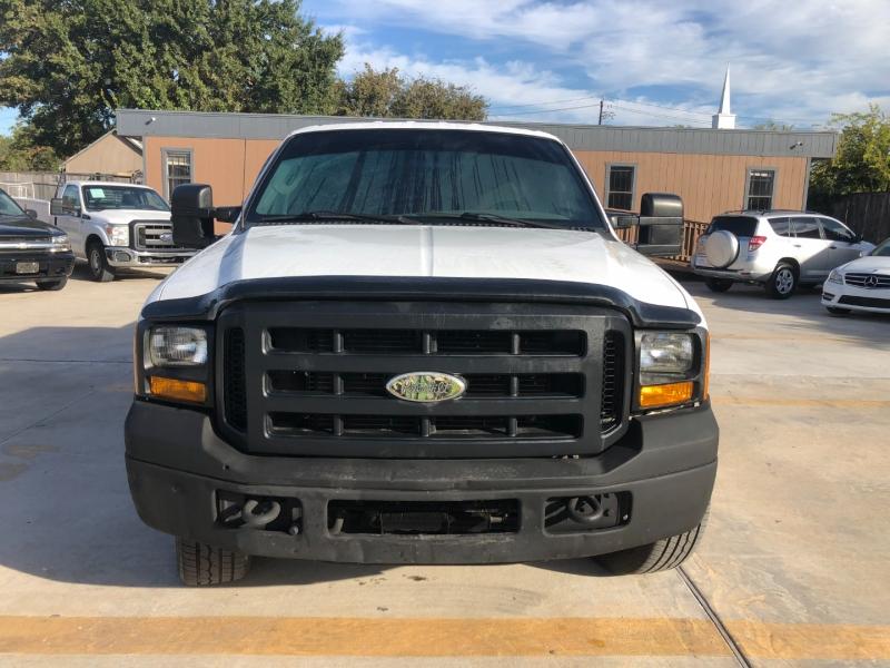 Ford Super Duty F-250 2006 price $9,990