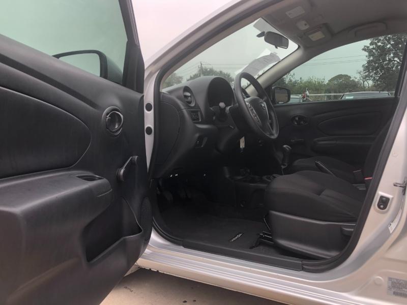 Nissan Versa Sedan 2019 price $8,490