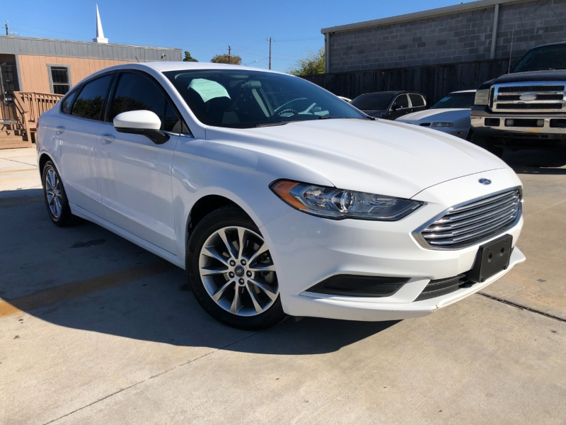 Ford Fusion 2017 price $10,490