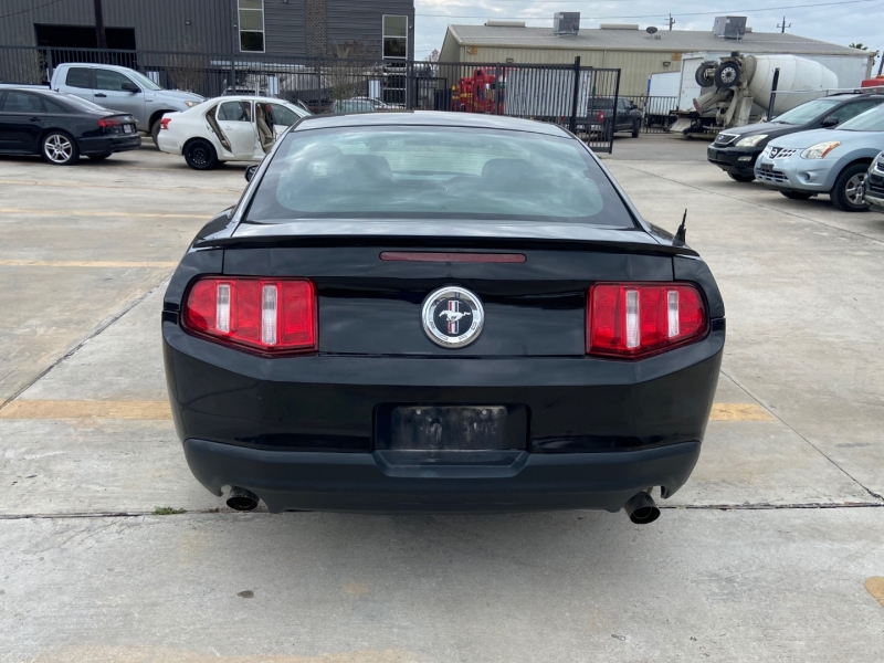 Ford Mustang 2011 price $5,490