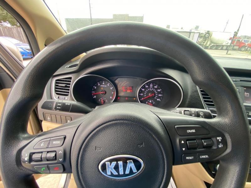 Kia Sedona 2015 price $6,990