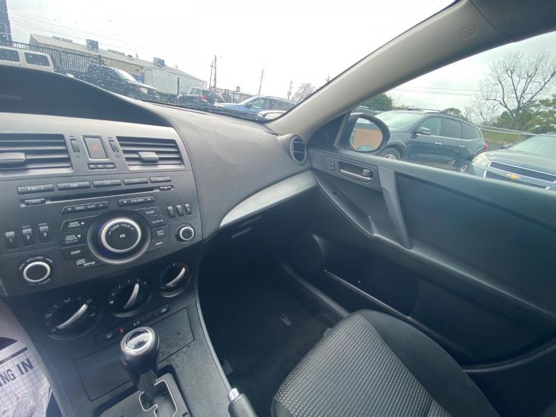 Mazda Mazda3 2012 price $5,490