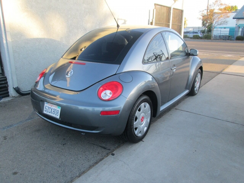 Volkswagen New Beetle 2007 price $6,980