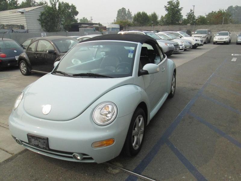Volkswagen New Beetle Convertible 2005 price $5,980