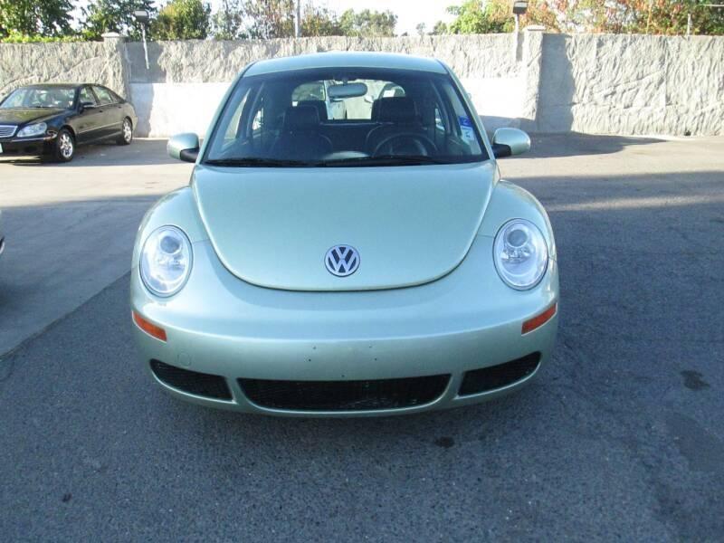 Volkswagen New Beetle 2010 price $6,380