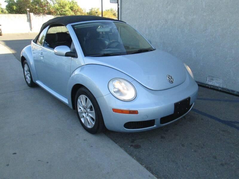 Volkswagen New Beetle Convertible 2010 price $6,980