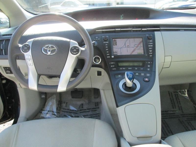 Toyota Prius 2011 price $9,980