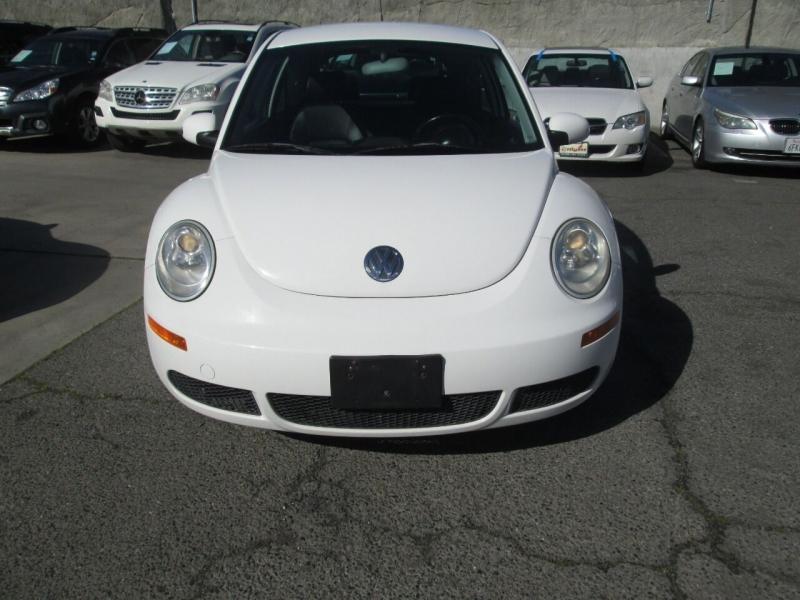 Volkswagen New Beetle 2009 price $5,980