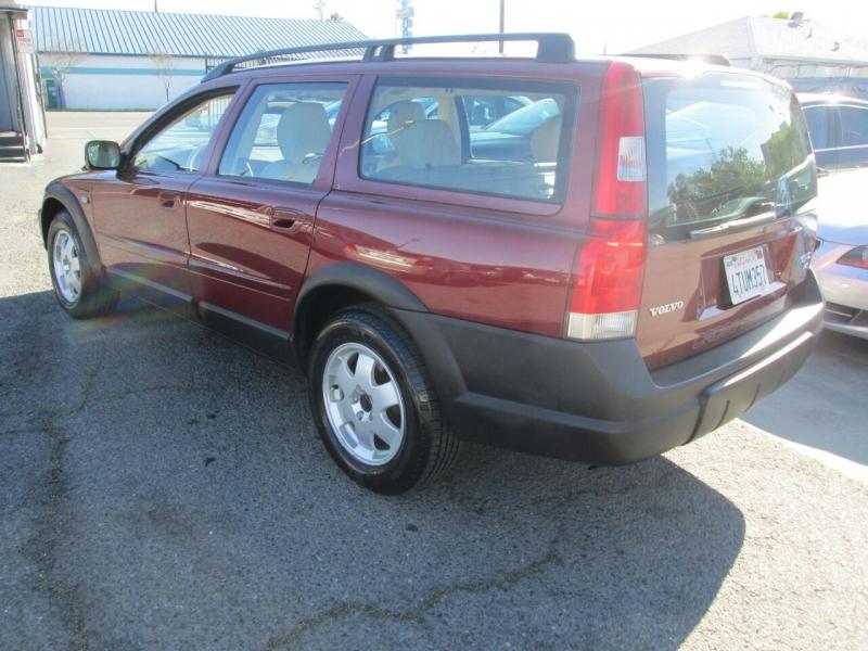 Volvo V70 2001 price $4,980