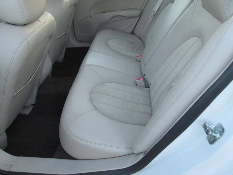 Buick Lucerne 2009 price $8,880
