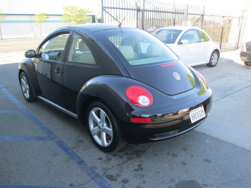 Volkswagen New Beetle 2007 price $6,488