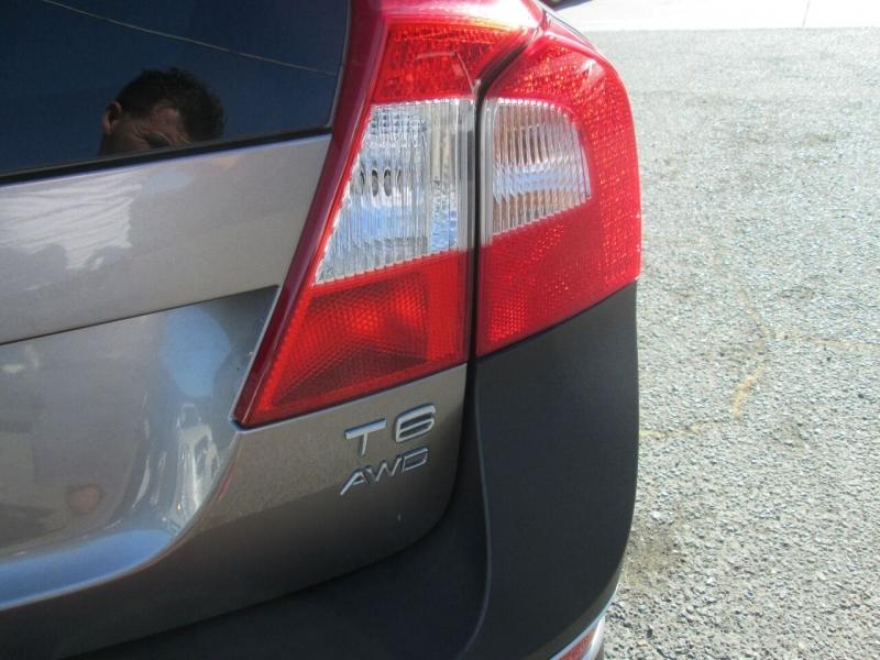 Volvo XC70 2011 price $11,880
