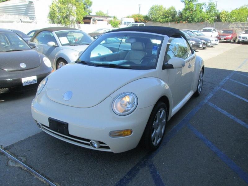 Volkswagen New Beetle Convertible 2003 price $5,880