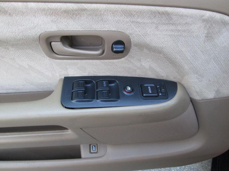 Honda CR-V 2004 price $7,380