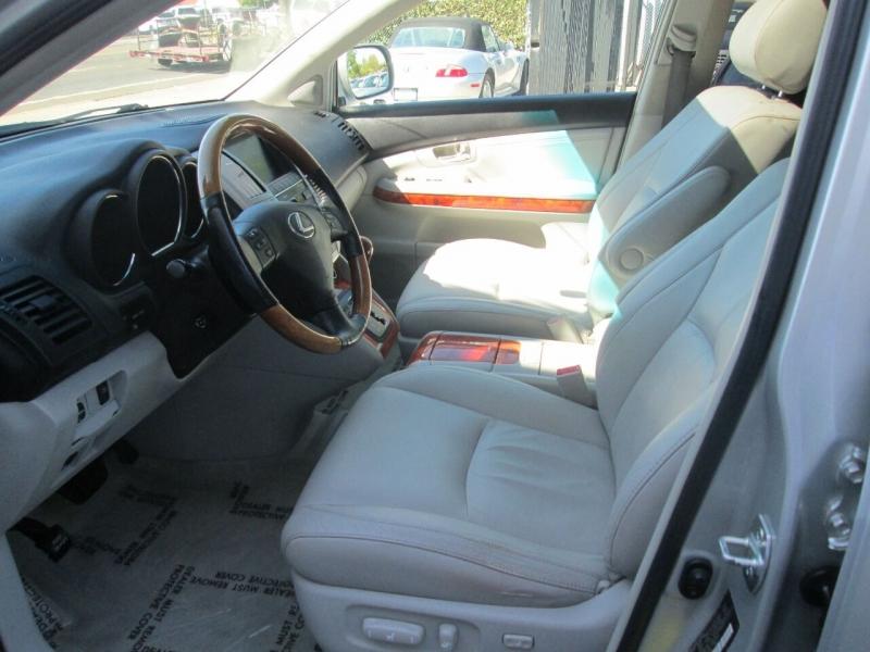 Lexus RX 330 2005 price $8,980