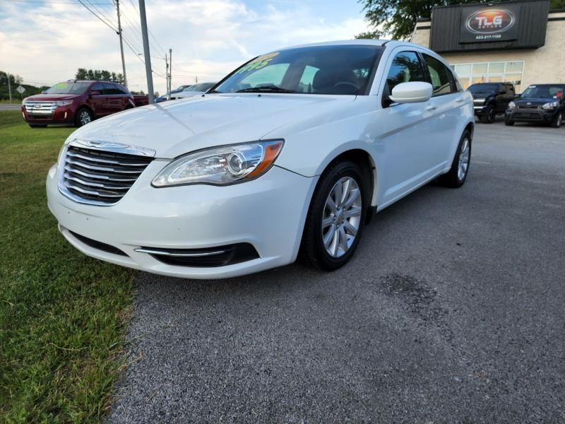 Chrysler 200 2014 price $8,495