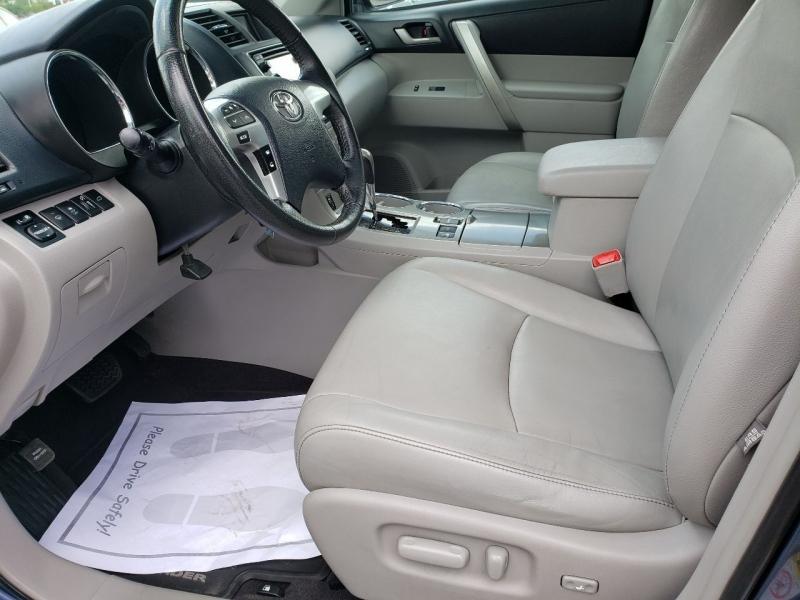 Toyota Highlander 2013 price $14,995