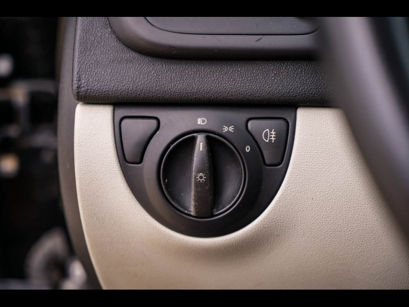 Saab 9-3 2004 price $4,690