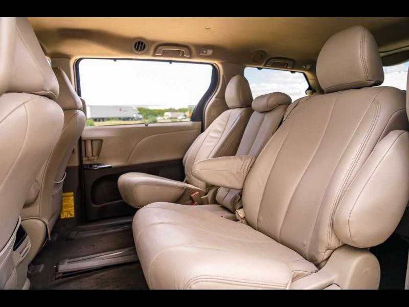 Toyota Sienna 2011 price $9,990