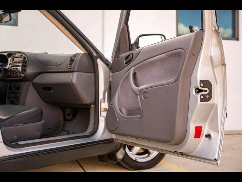 Saab 9-3 2000 price $3,980