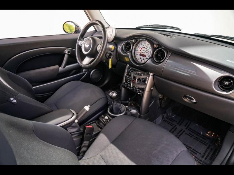 MINI Cooper 2005 price $6,380
