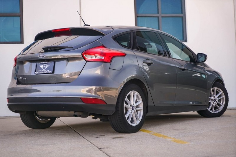 Ford Focus 2017 price $9,480
