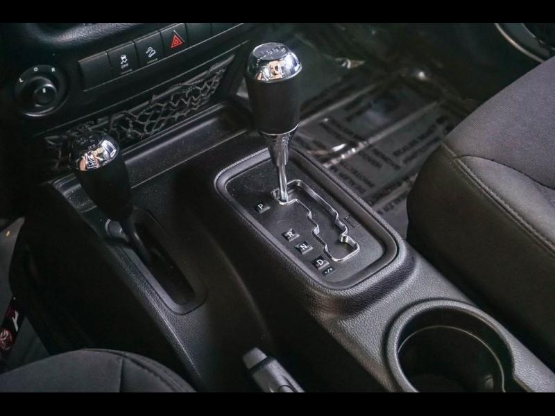 Jeep Wrangler 2015 price $27,490