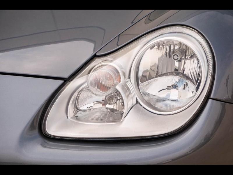 Porsche Cayenne 2004 price $8,990