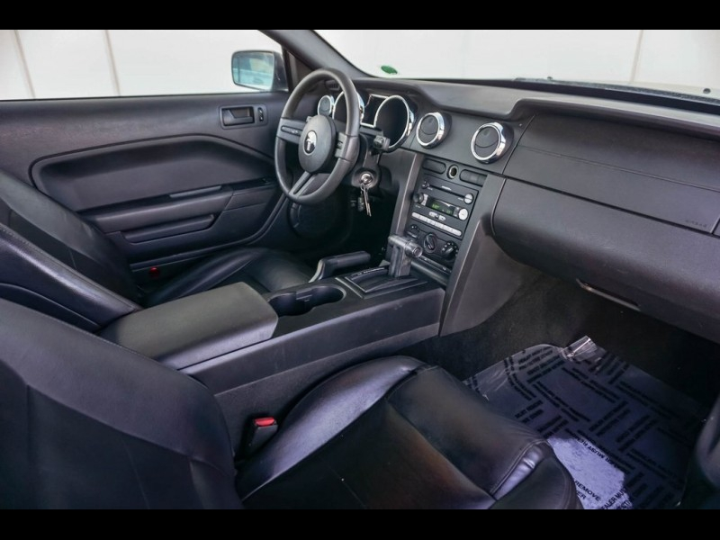 Ford Mustang 2005 price $6,890