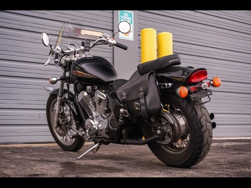 Honda  1999 price $2,990