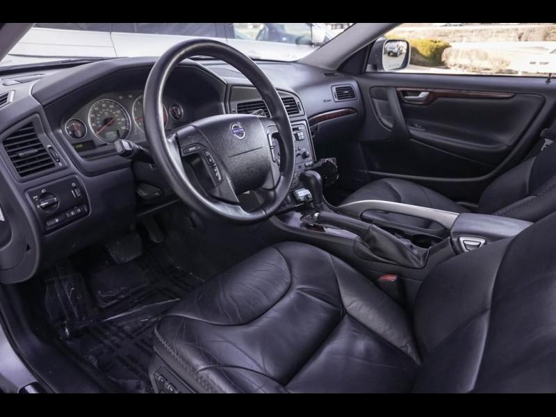 Volvo XC70 2005 price $5,990