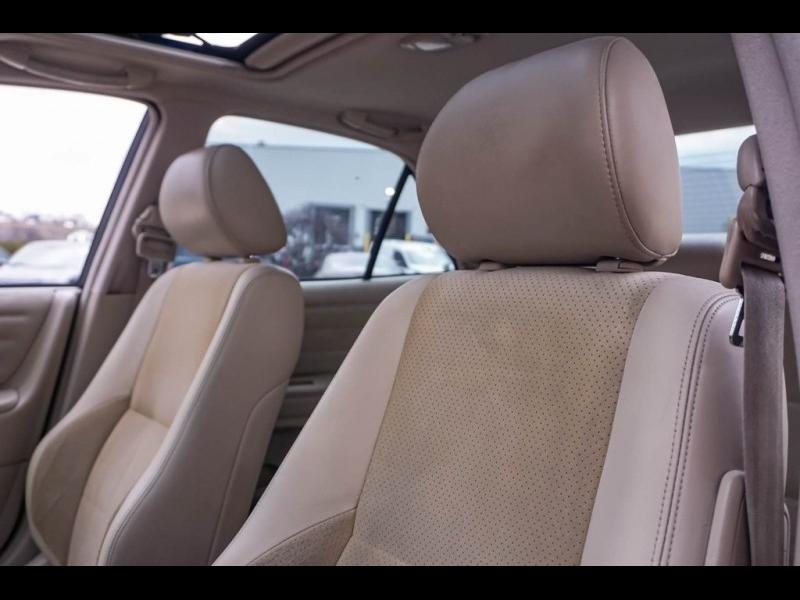 Lexus IS 2001 price