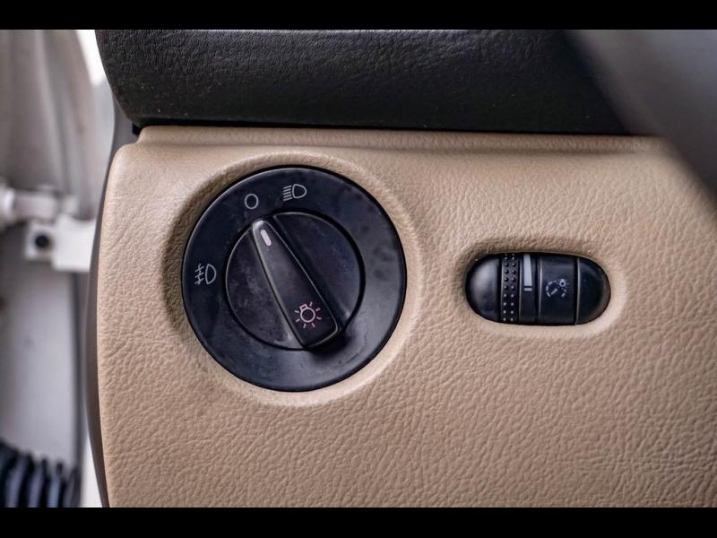 Volkswagen Passat 1999 price $4,980