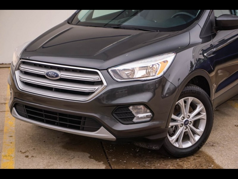 Ford Escape 2018 price $15,880
