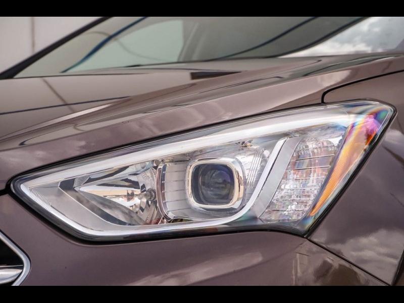 Hyundai Santa Fe 2015 price $14,940