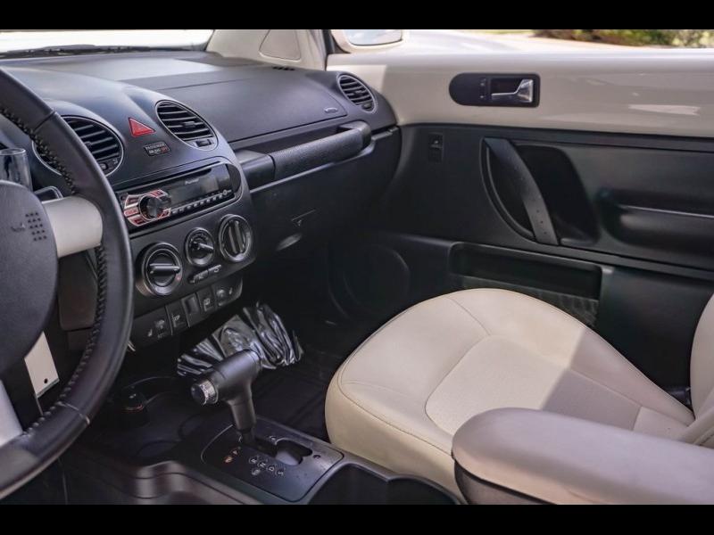 Volkswagen Beetle 2008 price $8,690