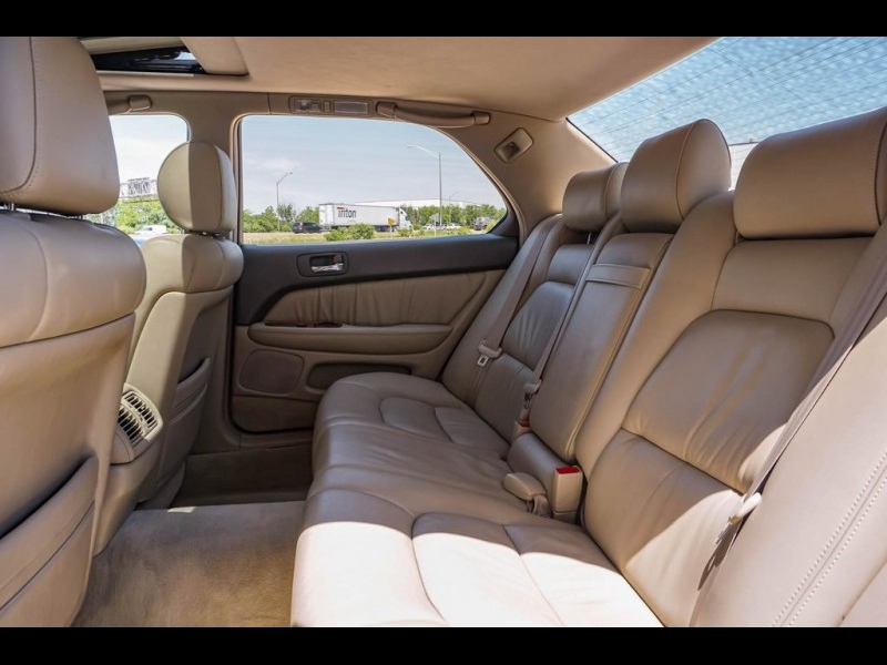 Lexus LS 2000 price $8,990