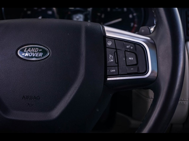 Land Rover Discovery Sport 2018 price $33,990
