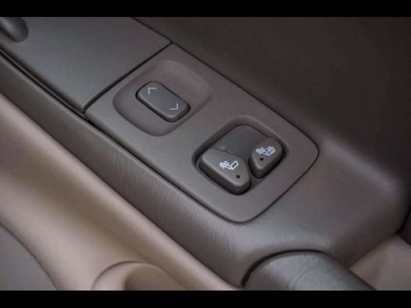 Cadillac DeVille 2005 price $9,480